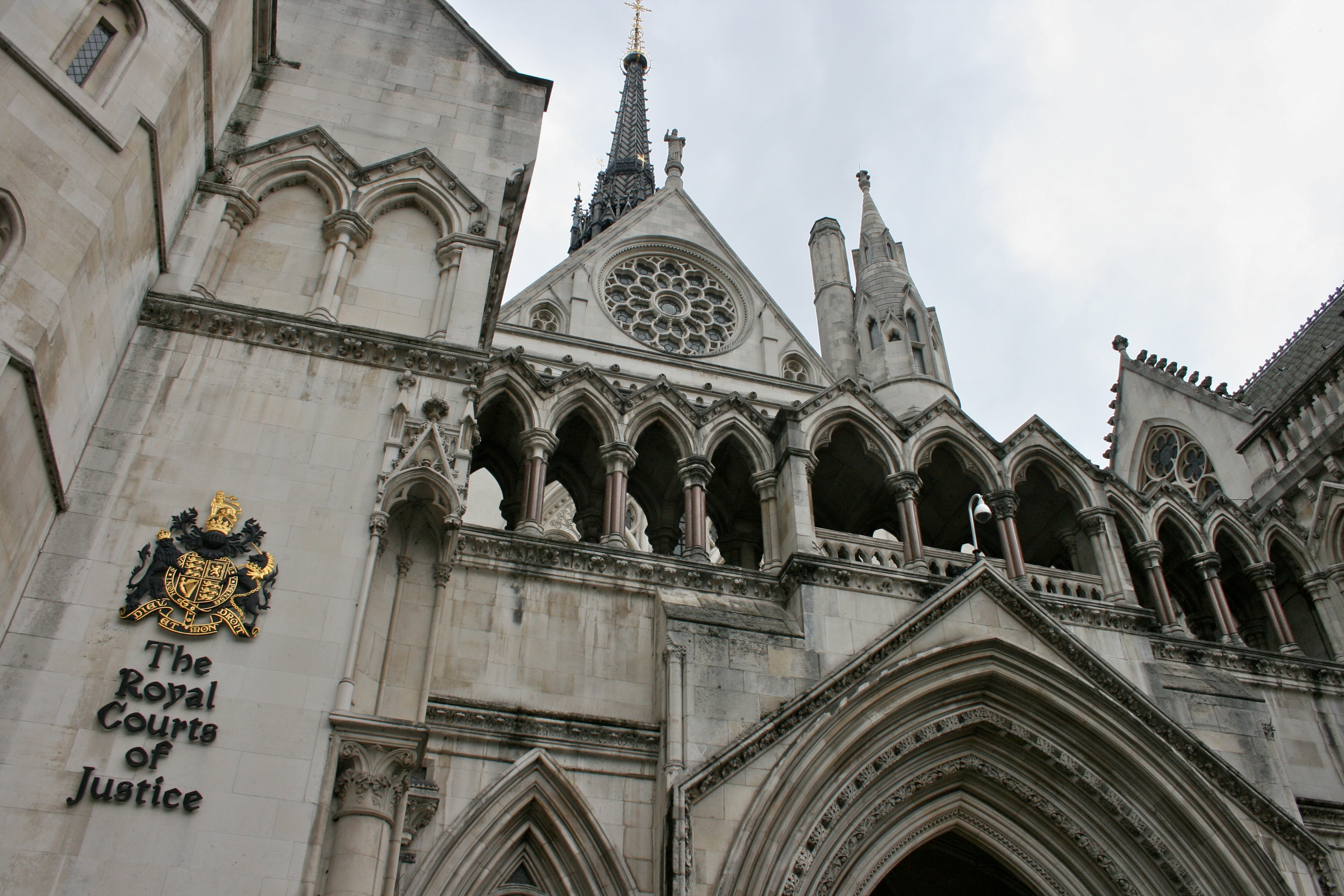 The_Royal_Courts_of_Justice